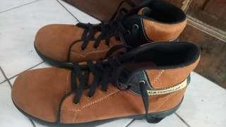 Capepillar shoes