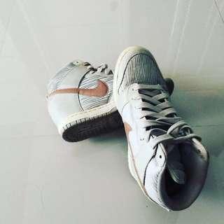 Jordan and Nike women Shoe (2,500 each pair)