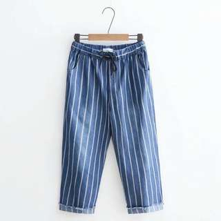 🚚 💖抽繩直條紋軟牛仔八分褲💖