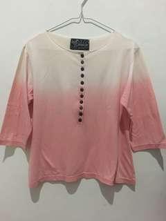 Atasan ombre pink putih