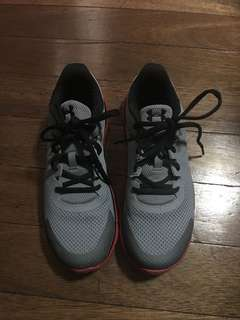 Under Armour Shoes size 8