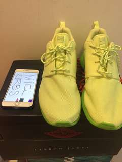 (Used) Nike Roshe Run Liquid Lime