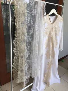 Pasmina Luxury Laces White &Gold ( tidak termasuk Baju )