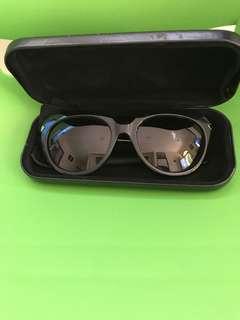 Sun glasses signature Alexander mqueen