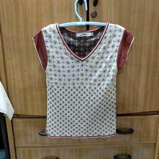 夏季半短袖V領米白色造型衫