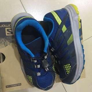 Salomon tracking shoes