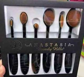Anastasia Paddle Brush Set