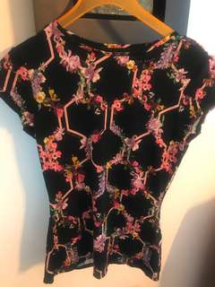 Ted Baker Black Top with flower and hexagon pattern  - size 0 / made in Portugal