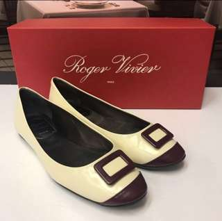 🈹Roger Vivier Size 34 Patent Leather Flat Shoes