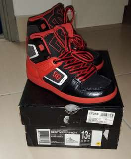 DC shoes black red
