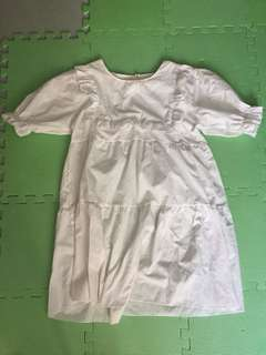 可愛白色連衣裙