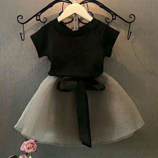 Tutu skirt top with black shortsleeve