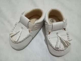 Prewalker Baby Shoes Putih Preloved