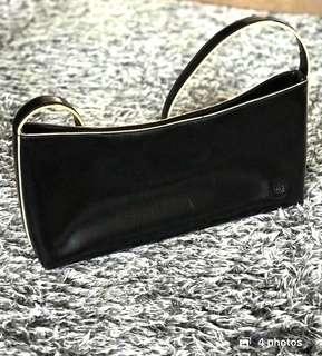 Auth💯DKNY Classic City Bag