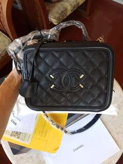 Chanel Vanity Case Bag size Medium Black Caviar tas Chanel