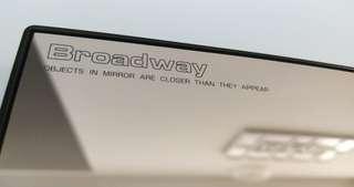 "Broadway 12""倒後鏡"