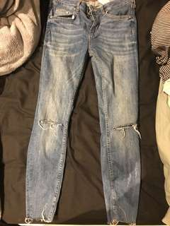 Zara Jeans ripped