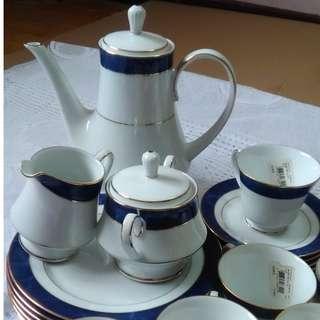 Noritake Mestro Blue Tea Set