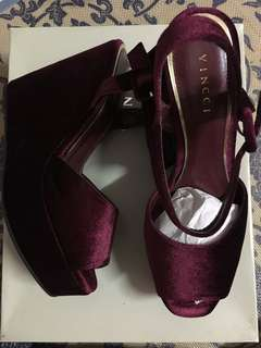 Vincci Wedges Size 6