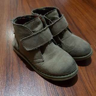 CHEROKEE SUEDE BOOTS VELCRO FASTENING US11 (FITS 4-5)