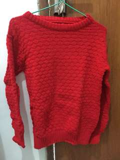 Sweater merah tebal