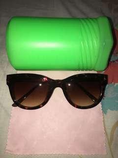 i2i Sun Glasses