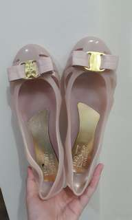 Flat shoes Ferragamo Nude