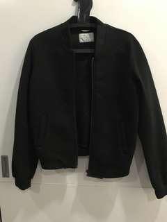 Winter wear bomber jacket in black