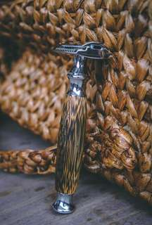 Bamboo-Handled & Chrome Razor