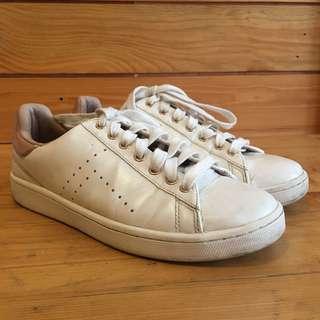Stradivarius Sneakers