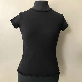 Scallop Tee (Good quality, not from Taytay)