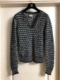Chanel tweed top used Sz 38