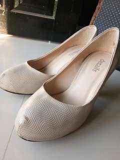 """Heels """"details"""" cream"""