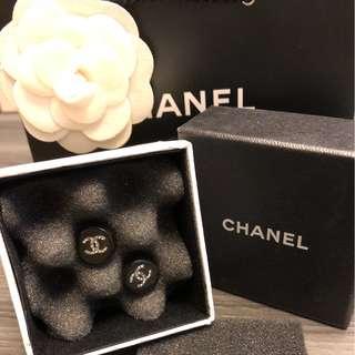 Chanel 豆豆耳環
