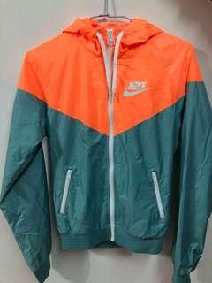 Nike 防風運動外套