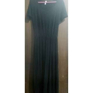 Dress panjang/maxi pleated hitam