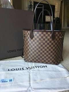 Guaranteed authentic LOUIS VUITTON Neverfull MM in Damier Ebene.
