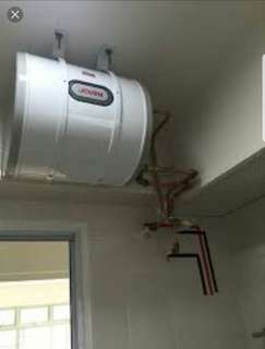 Storage water heater installtion