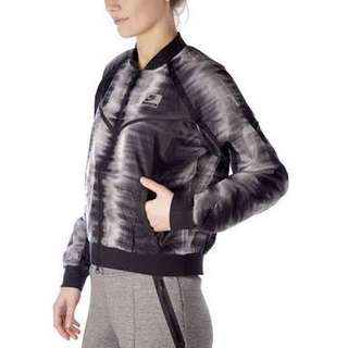 New Nike International women's small runners bomber jacket