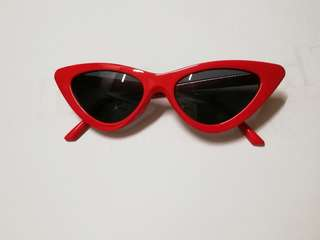 RM 10 AND UNDER!!! Vintage Red Cat Eye Sunglasses