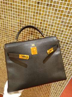 Hermes kelly 32 in black no strap