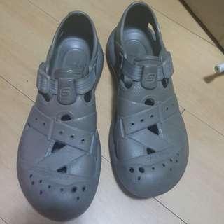 Original Skechers waterproof shoes size 11