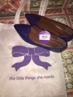 FLATSHOES LITTLE THINGS SHE NEEDS