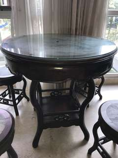 Antique wood coffee table + 4 stools with marble centre