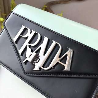 prada crossbody 4️⃣colours
