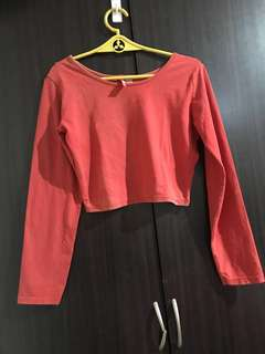 H&M red crop top,fits to small to medium