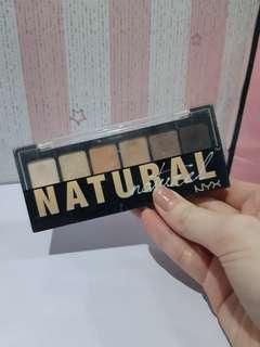 Nyx natural eyeshadow pallete