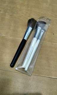 Elf and Paganini makeup brushes