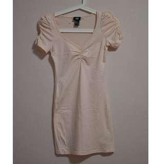 Un-worn H&M casual top in pale-pink.