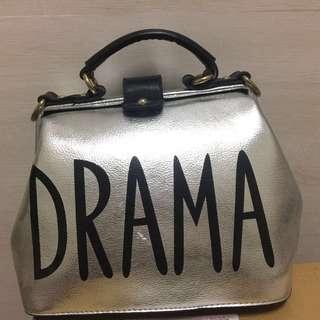 🚚 DRAMA銀色復古手提包